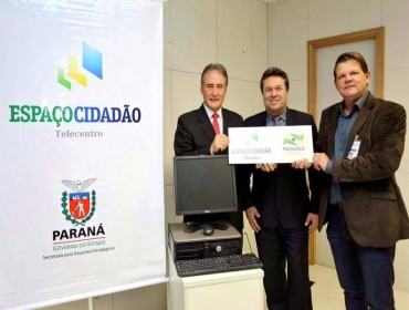 Prefeito de Indianópolis consegue computadores para atender o programa espaço cidadão