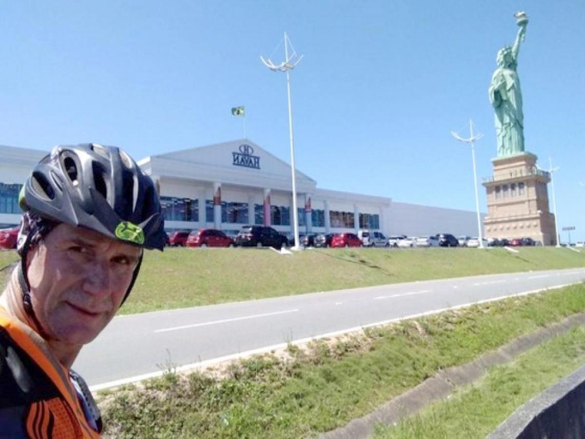 Morador de Cianorte percorre 860 km de bicicleta até o litoral catarinense