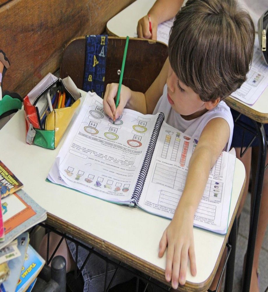 Rematrículas nas escolas municipais acontecem nesta segunda e terça-feira