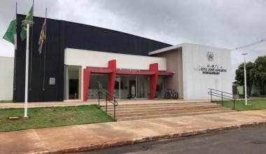 Após ser transferido de setor, servidor público agride prefeito de Rondon e funcionários da prefeitura