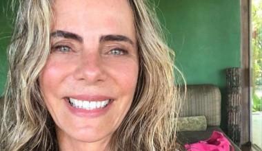 Bruna Lombardi posta foto de biquíni contra sua vontade: 'Voto vencido'.