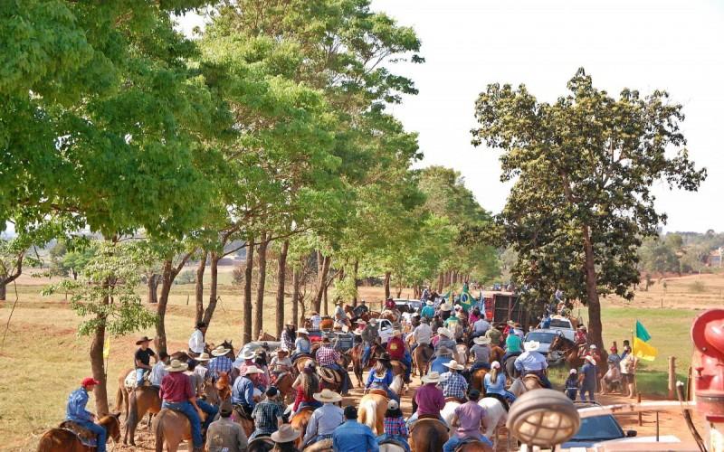 Cavalgada Ecológica reúne 300  cavaleiros em São Manoel do Paraná