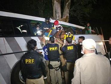 Tentativa de assalto seguido de acidente deixa vários mortos na BR 369 em Mamborê